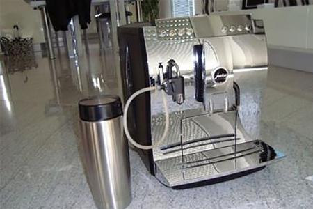 У нас хороший опыт ремонта кофемашины Jura Impressa c5, f50 и многих других моделей