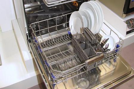 Специалисты МастерБюро выполняют ремонт посудомоечных машин LG прямо на месте
